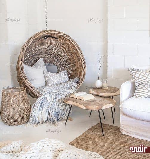 طراحی دکوراسیون کنج اتاق خواب با دکور سنتی و صندلی آویز