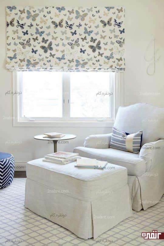فضایی راحت و آرام در اتاق نوزاد برای استراحت و مطالعه ی والدین