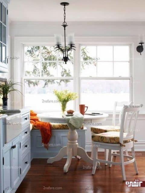 میز گرد چوبی برای کنج آشپزخانه