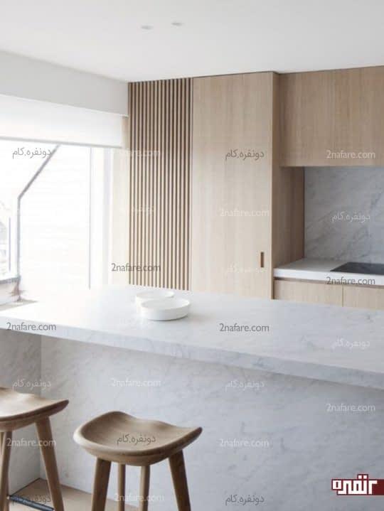 چوب و سنگ مرمر در آشپزخانه ی مینیمال