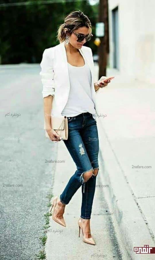 کت سفید اسپورت و کیف و کفش کرم