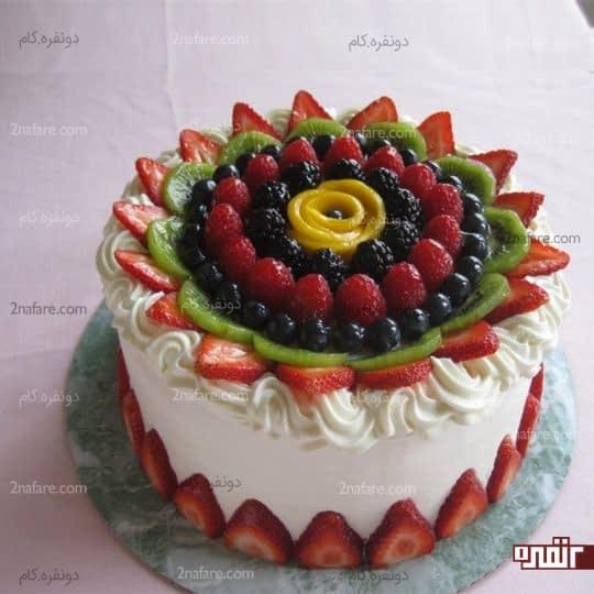 کیک تولد میوه ای و رنگارنگ