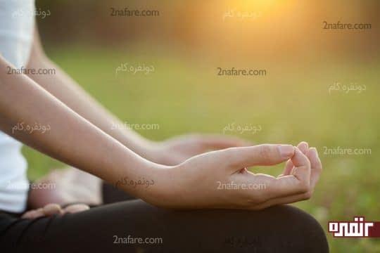 یوگا برای درمان لرزش دست