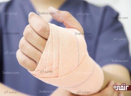 درمان کشیدگی عضله با استفاده از باند کشی