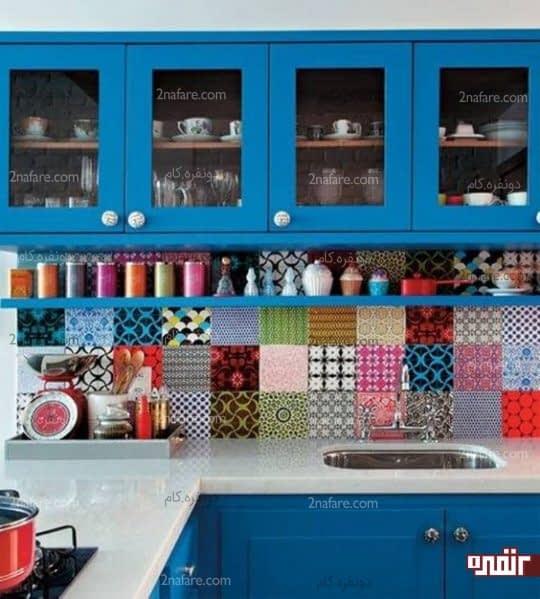 آشپزخانه رنگی با کاشی های طرح دار جذاب