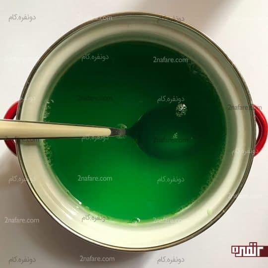 آماده کردن ژله سبز رنگ