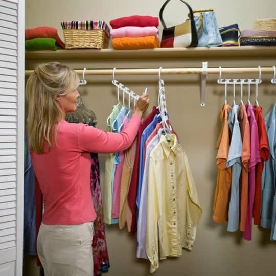 آویزان کردن لباس ها بر اساس نوع