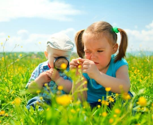 از کودکان در قاب طبیعت غافل نشوید