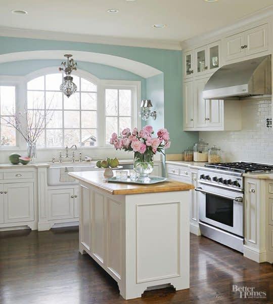 انتخاب رنگ های روشن برای آشپزخانه های کوچک