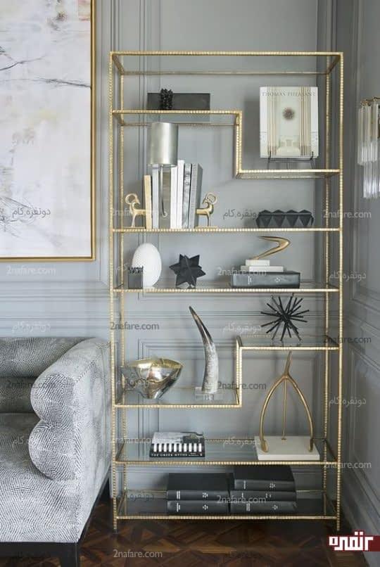 ترکیب رنگ زیبای قفسه فلزی طلایی و تم خاکستری