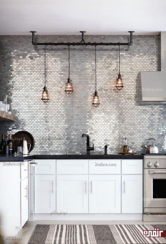تزیین دیوار آشپزخونه با کاشی های براق و جذاب