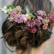 تزیین شینیون با گل طبیعی