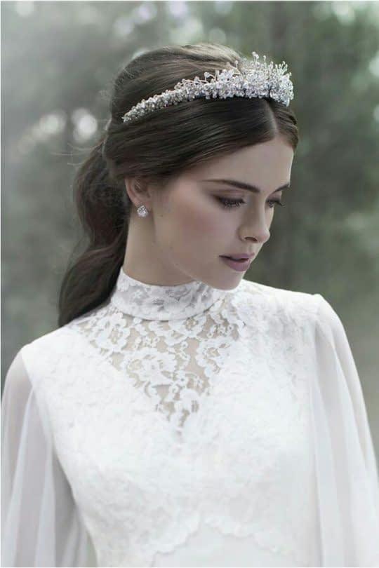 تل عروس نگین دار