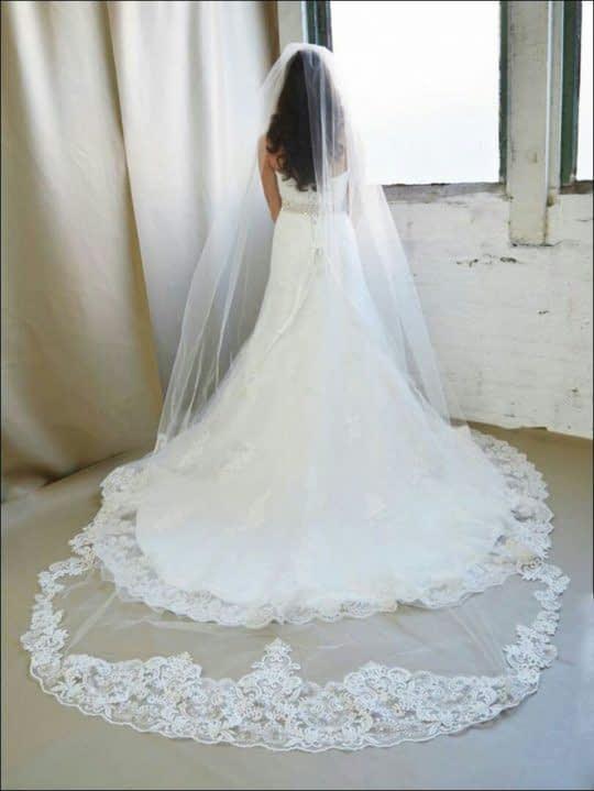 تور عروس حاشیه دار بلند