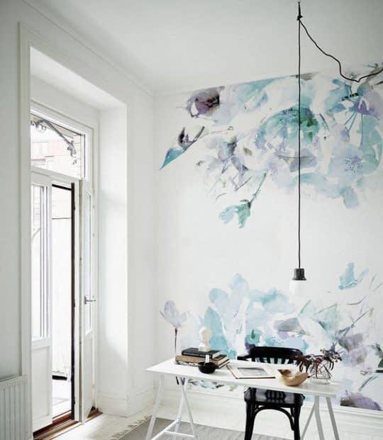 دیوار آبرنگی و زیبا برای اتاقی کوچک و دخترانه