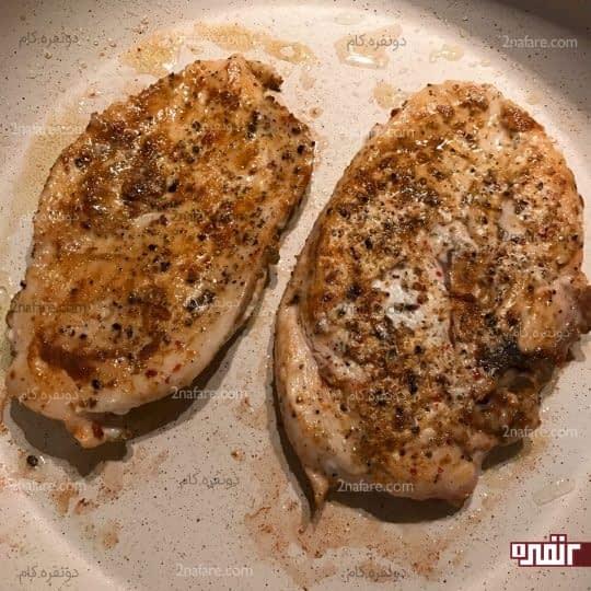 زیر و رو کردن مرغ