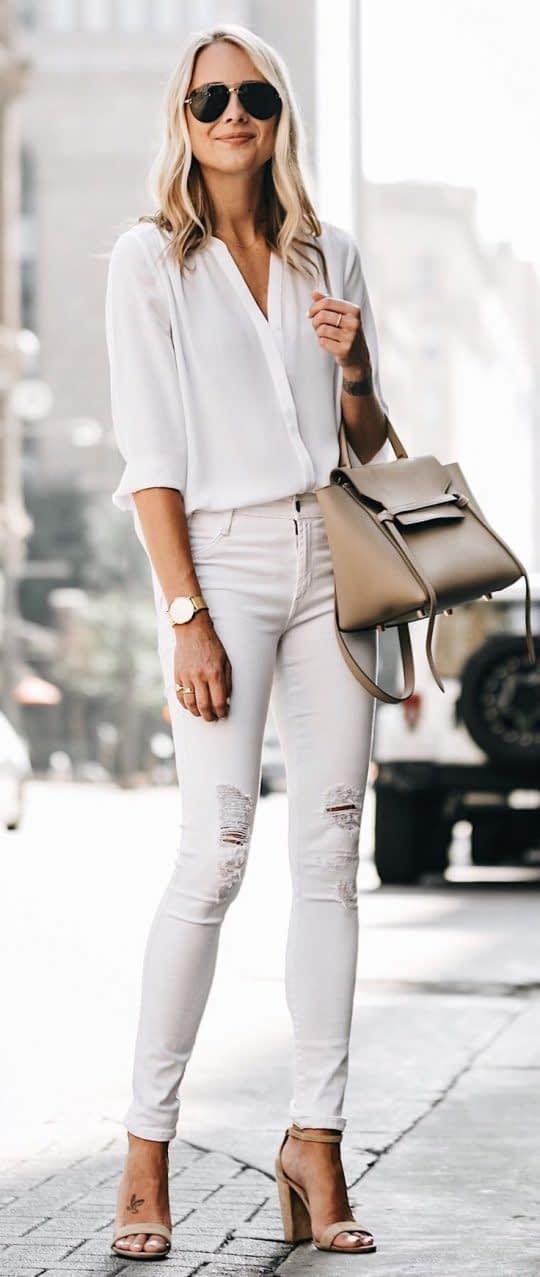 ست لباس سفید ساده در عکس