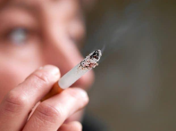 سیگار کشیدن برای فرار از استرس