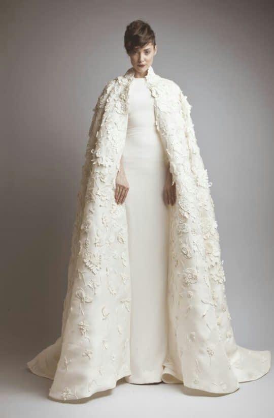 شنل بلند عروس تزین شده