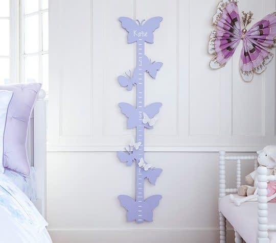 طرحی زیبا و هنرمندانه از چارتر قد کودک برای اتاق دختران