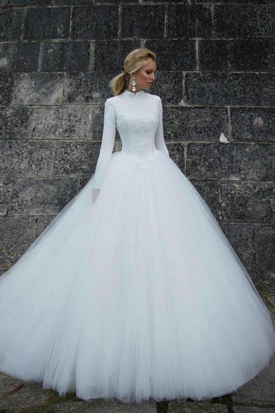 لباس عروس آستین بلند و دامن پفی توری