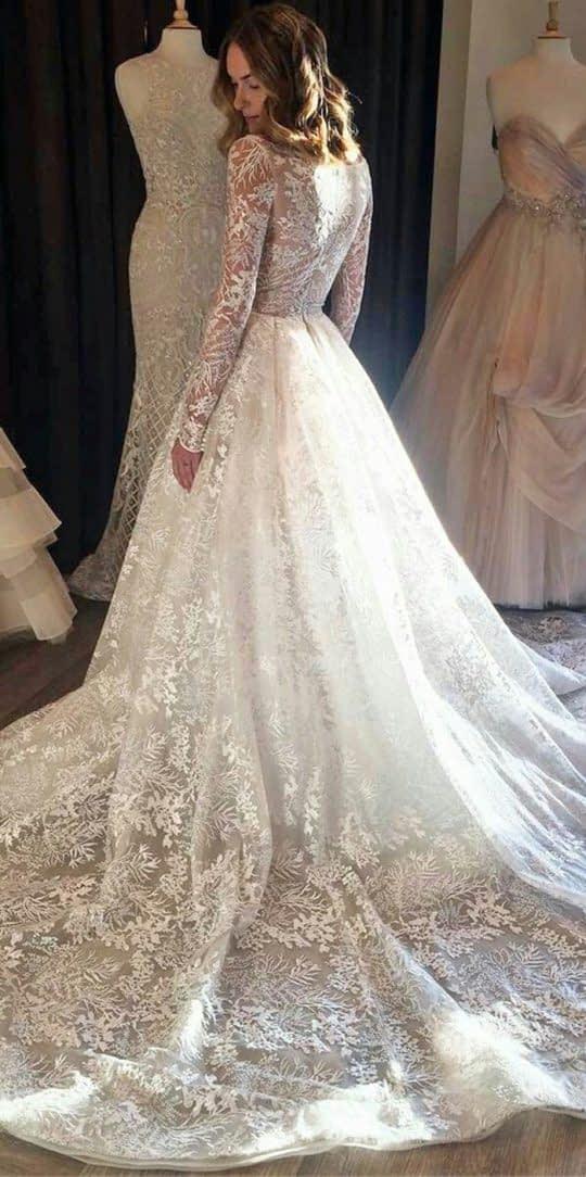 لباس عروس آستین بلند با تور طرح دار