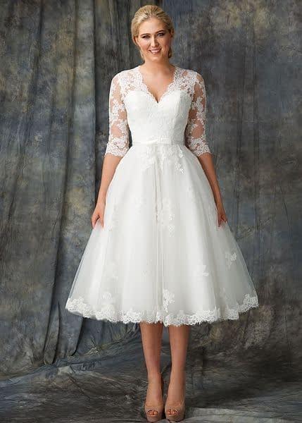 لباس عروس آستین دار با دامن کوتاه و آستین سه ربع