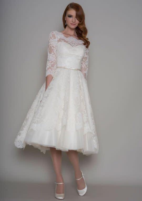 لباس عروس کوتاه شیک آستین دار