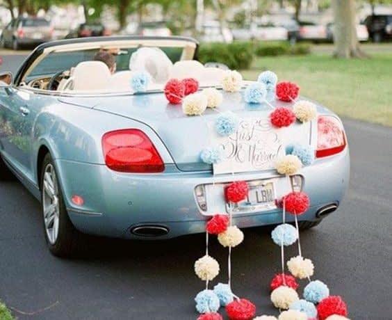 مدل ماشین عروس خاص با تزیین پوم پوم های آویز
