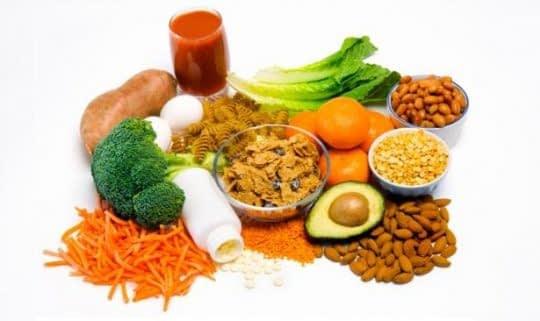 مصرف غذاهای غنی از فولات در بارداری