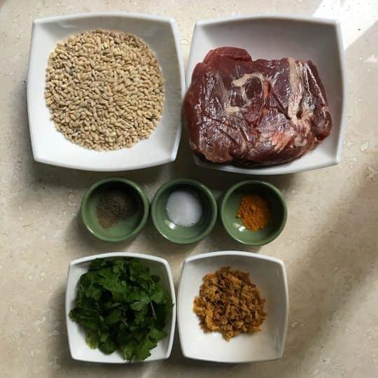 مواد لازم برای تهیه سوپ جو و گوشت