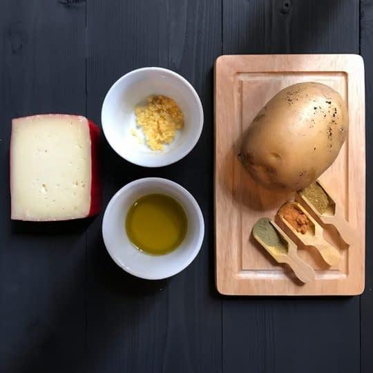 مواد لازم برای تهیه سیب زمینی آکاردئونی