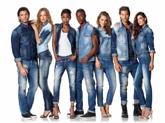 همه نوع جین برای عکاسی