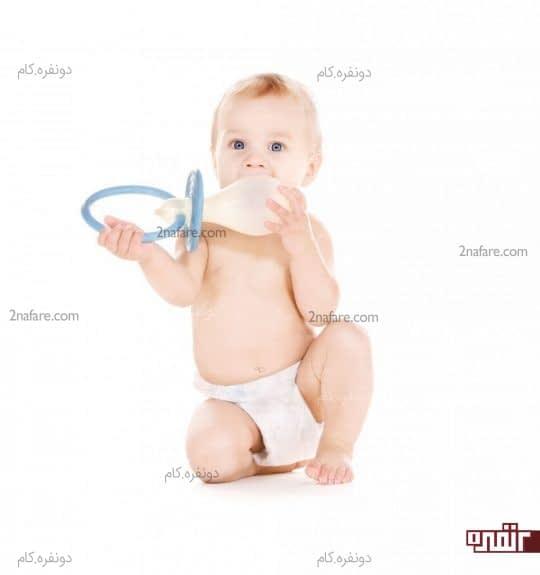 پستانک برای نوزاد خوب است یا نه