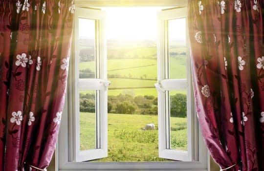 پنجره ها را باز بگذارید تا هوای خانه عوض شود