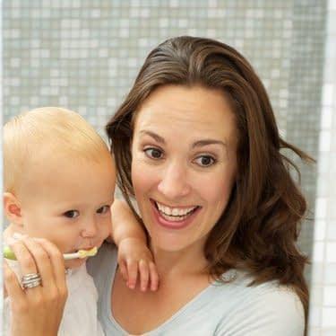 چگونه باید از دندانهای کودکان مراقبت کنیم؟