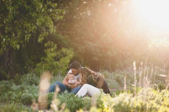 ژست خانوادگی با نور طبیعی