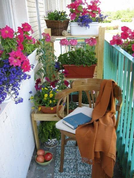 کنجی آرامش بخش و زیبا برای مطالعه ی روزانه
