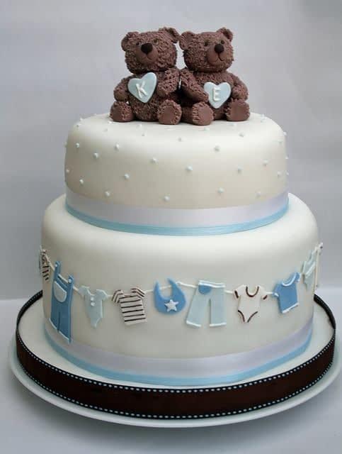 کیک تولد پسرونه با تزیین خرس قهوه ای