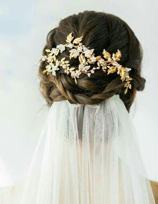 گل سر با برگ طلایی و تور عروس