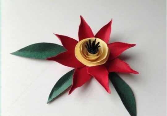 گل رنگارنگ کاغذی زیبا و ساده