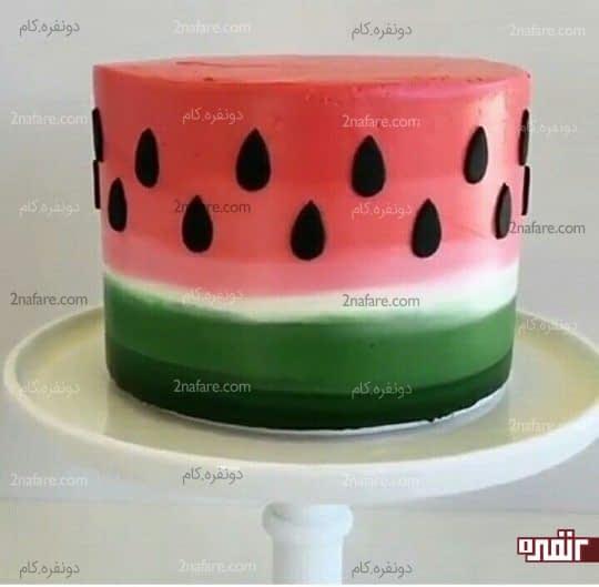 مدل زیبا و خیلی ساده از تزیین کیک با خامه با طرح هندوانه
