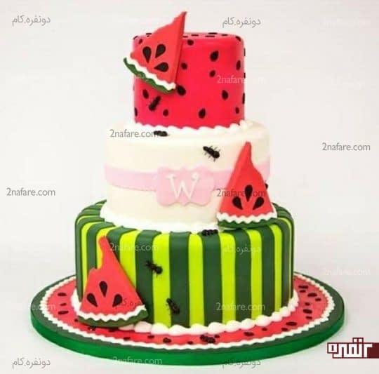مدل کیک سه طبقه تزیین شده با فوندانت و طرح هندوانه