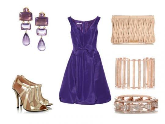 ترکیب لباس مخمل بنفش همراه با جواهرات طلایی