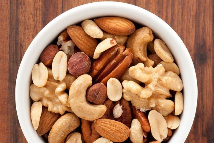 مصرف بادام و گردو و پسته برای بارداری توصیه میشه