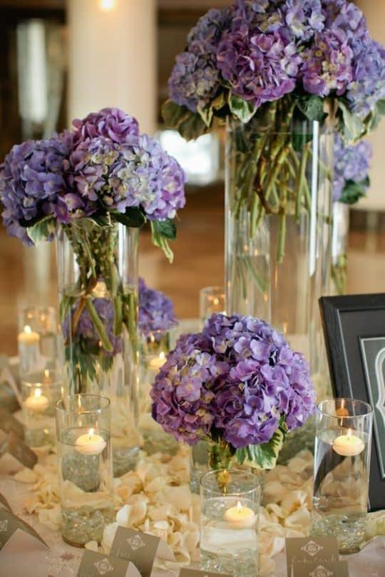 انتخاب گل های بنفش برای تزیین میزها