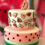 تزیین کیک شب یلدا با تم هندوانه