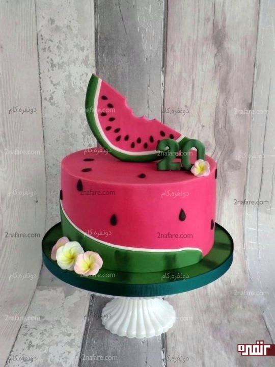 مدل خاص تزیین کیک با فوندانت مناسب شب یلدا