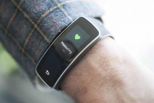 اندازه گیری نبض را با استفاده از دستگاه های دیجیتال