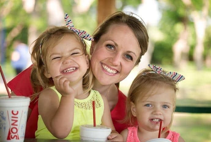 با بالا رفتن سن مادر احتمال دوقلو شدن نوزاد بیشتر میشه